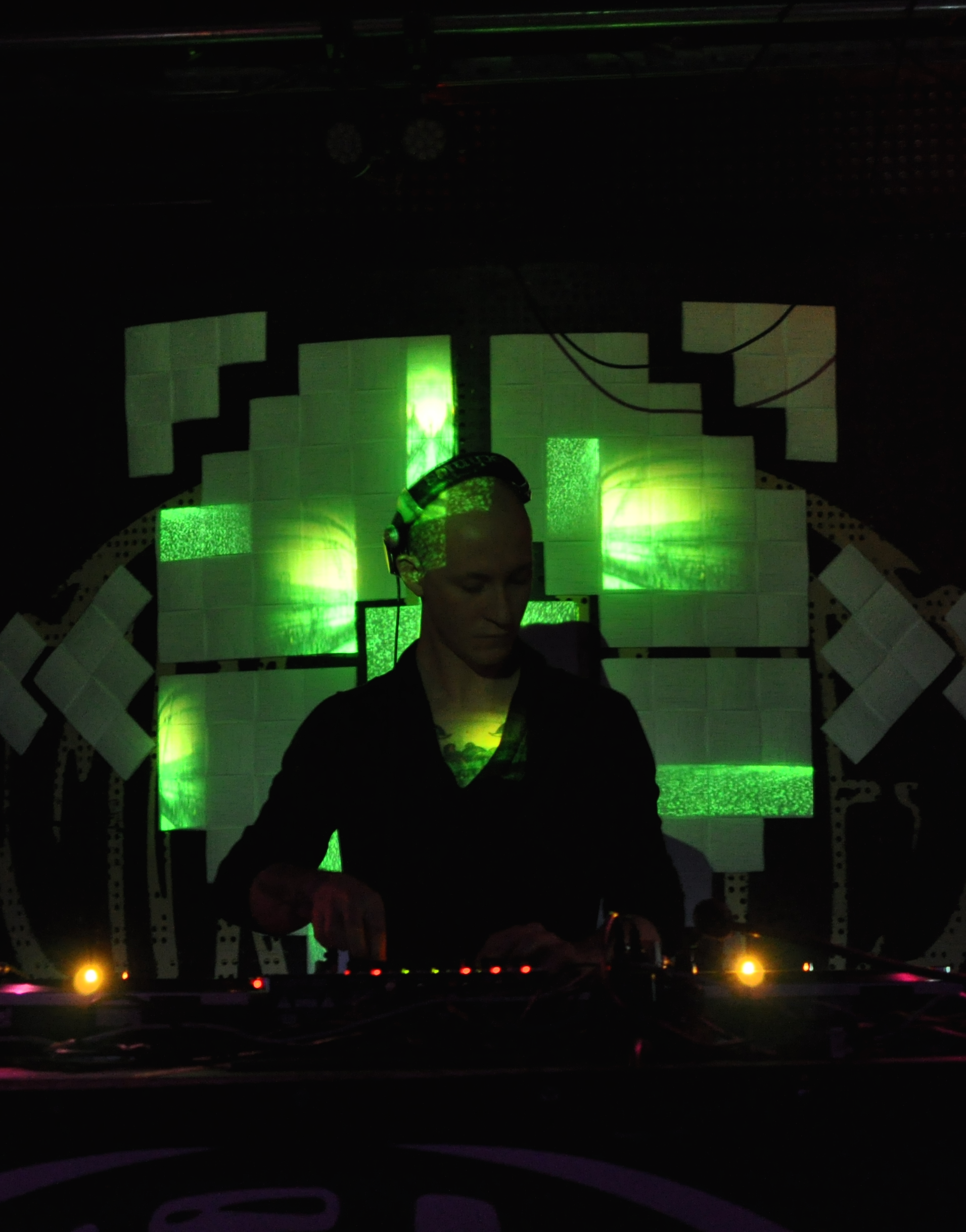 Artmospheric Sessions #26 - Eric Cloutier @ Contemporary Techno Structures